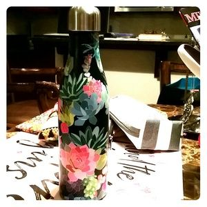 Other - BEAUTIFUL CACTUS WATER BOTTLE